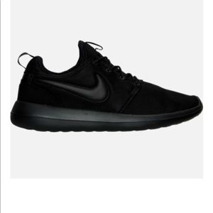 Nike Shoes - NIKE MEN ROSHE TWO